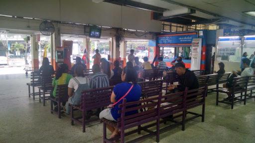 Stanica Eastern Bus Terminal v Bangkoku odkiaľ sme už šli do Pattaya City