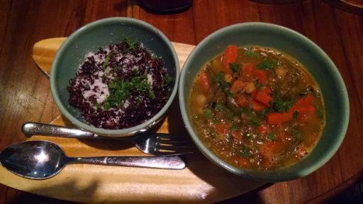 Červené Curry s ryžou, omňomňom