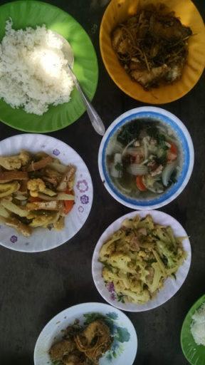 My učitelia sme mali viac druhov jedál a trošku väčšie porcie, o ktoré sme sa tiež delili