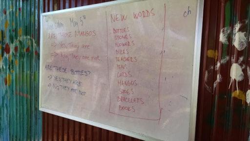 Na konci každej hodiny sme si zapisovali nové slovíčka, čo sme sa v ten deň naučili. Deti mi ich na ďalší deň museli znova opakovať, čo si pamätajú :)