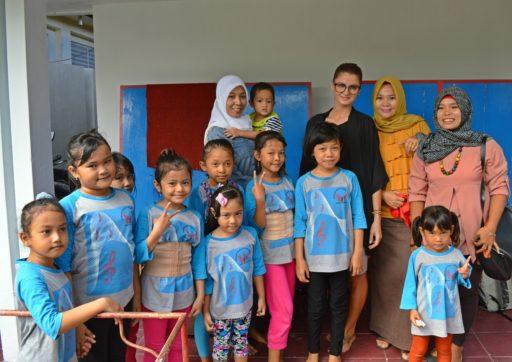 S deťmi, ktoré po prvý krát videli belošku
