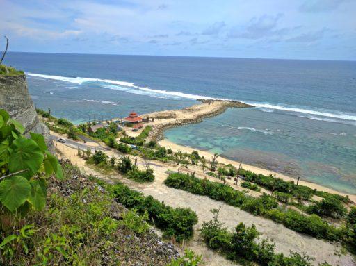 Melasti beach pohľad zhora na tú krásnu pláž :)